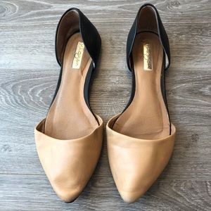 Halogen (Nordstrom) Tan Pointed Toe Flats Size 7.5